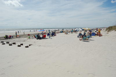 picture of the sea isle city nj beach